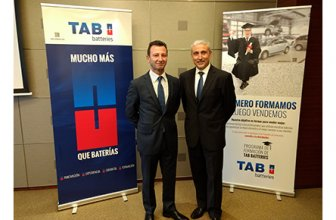 Antonia de Roa, responsable comercial Zona Madrid de TAB Spain y Joan Alcaraz, director general de TAB Spain.